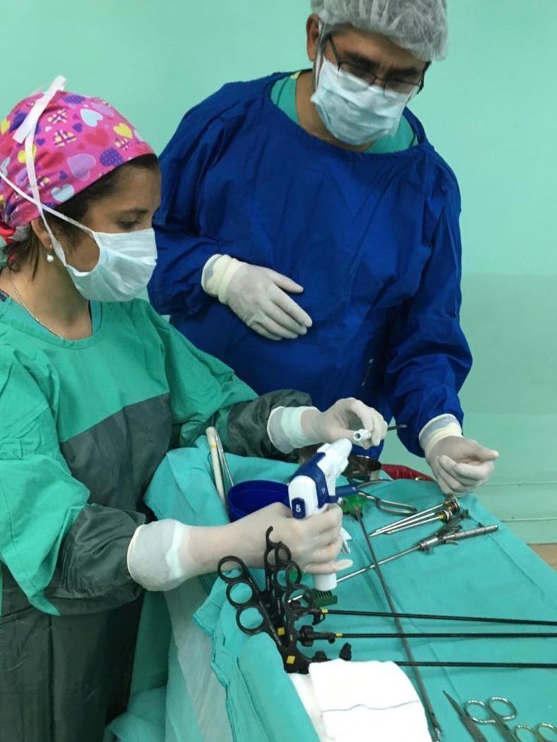 Primera cirugía con uso de stapler de 5mm en la Argentina